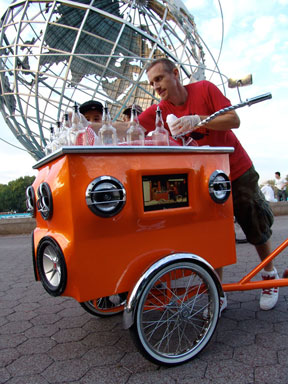 Miguel Luciano sold piraguas from his pimped out cart in Corona for a week to many happy patrons!